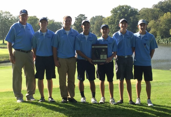 Mater Dei's boys golf team qualified for the Illinois High School State Golf Tournament.